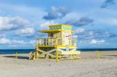 Life guard tower on South Beach  in sunset — Stock Photo