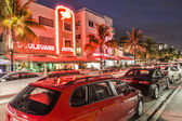 Night view at Ocean drive in Miami — Stockfoto