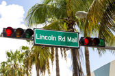 Lincoln Road Mall street sign located in Miami Beach — Stock Photo