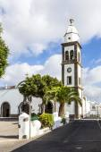 l church of San Gines in Arrecife with its white-washed exterio — Stock Photo