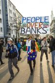 People demonstrate against EZB and Capitalism — Stock Photo