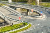 Highway with lots of car in motion - rush concep — Stock Photo