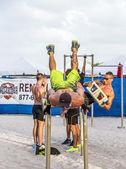 Bodybuilder train at  south beach in Miami — Stock Photo