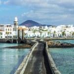 Sea view at Castle of San Gabriel and Arrrecife, Lanzarote, Cana — Stock Photo #68196081
