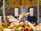 Altar with photo of the dead person at Olvera street — Stock Photo
