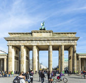 People visit Brandenburg Gate in Berlin — Stock Photo