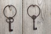 Rusty keys and keyring — Stock Photo