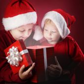 happy boy open christmas gift-box — Stock Photo