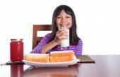 Young Malay Asian Preteen Girl Having Breakfast — Stock Photo