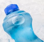 Mineral Water And Ice — Stock Photo