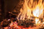 Burning billets in fireplace — Foto de Stock