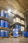 55 Gallon Drums in Chemical Plant Warehouse — Zdjęcie stockowe