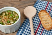 Soup with pasta and vegetables — Stock Photo