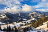 Beautiful winter landscape in the mountains — Stock Photo