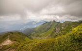 Storm clouds over the mountains — Stock Photo