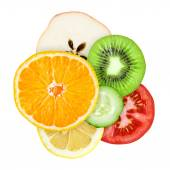Mixed slices of fruit and vegetable — Stock Photo