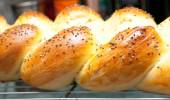 Golden brown home made challah egg bread and buns — Stock Photo