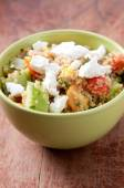 Gluten free vegetarian salad made with quinoa and fresh heirloom — ストック写真