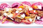 Beet salad with apple, walnuts and goat cheese — Stockfoto