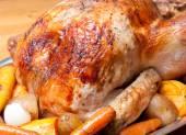 Roasted turkey dinner with seasonal vegetables  — Stock Photo