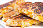 Grilled macaroni and cheese sandwich — Stock Photo