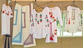 Sale of the embroidered female shirts at fair of national crafts — Stok fotoğraf