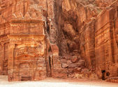 Ruins of Jordanian ancient city of Petra — Stock Photo