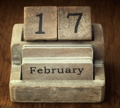 A very old wooden vintage calendar showing the date 17th Februar — Stock Photo