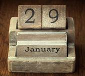 29 Ocak tarihi gösteren bir çok eski ahşap vintage takvim — Stok fotoğraf