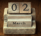 A very old wooden vintage calendar showing the date 2nd March on — Foto de Stock