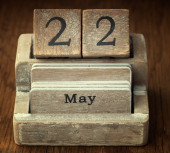 A very old wooden vintage calendar showing the date 22nd May on — Stock Photo