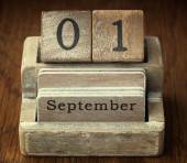 A very old wooden vintage calendar showing the date 1st  Septemb — Foto de Stock