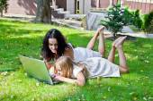 Learning mother and daughter — Stock Photo