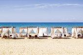 Carpas en la playa — Foto de Stock