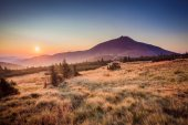 Snezka hill in sunrise — Stock Photo