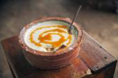 Curd, buffalo yogurt with honey. — Stock fotografie