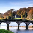 Bridge over main lake in Stourhead Gardens during Autumn. — Stock Photo #54218983