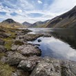 Stunning landscape of Wast Water and Lake District Peaks on Summ — Stock Photo #78917936