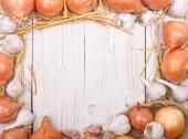 Onion and garlic. Frame. — Stockfoto