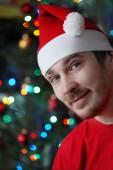 Uomo vestito con un cappello di Natale — Foto Stock