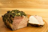 Meat baked on a round board6. — Stock Photo