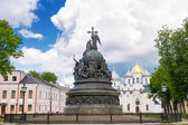 Bronze monument for Millennium of Russia in the Novgorod Kremlin — Stock Photo