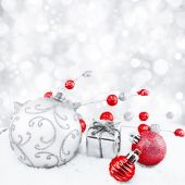 Decorative christmas background with bokeh lights and snowflakes — Stock Photo