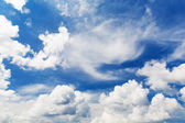 Bright beautiful blue sky with clouds — Stock Photo