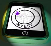 Invest Smartphone Displays Investors And Investing Money Online — Stock Photo