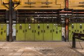 Electricity distribution hall in metal industry — Stockfoto