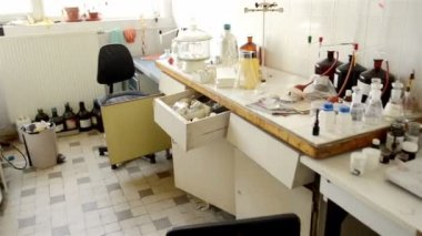 Laboratory with a lot of bottles — 图库视频影像