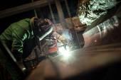 金属産業における電気配布ホール — ストック写真