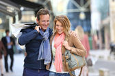 Couple doing shopping on week-end — Stock Photo