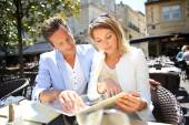 Couple eating lunch at restaurant — Stock Photo
